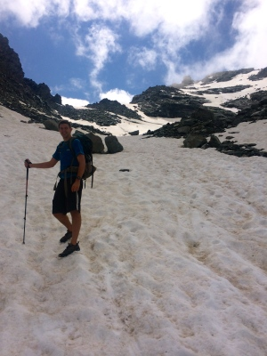 Snowy descent to Mont Fort